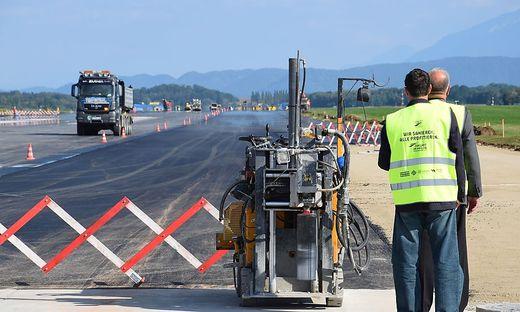 Alleine bei der Sanierung am Flughafen Klagenfurt fanden die Prüfer 1,5 Millionen Euro Einsparpotential