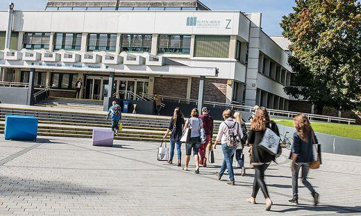 Uni Klagenfurt lockt Studenten an