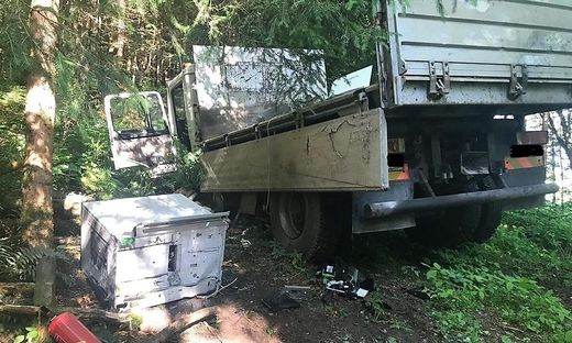 Bankomat und Lkw wurden in einem Waldstück gefunden