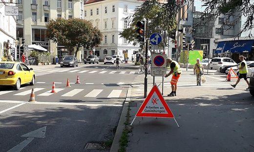 Grazer Tegetthoffbrücke: Bei der Querung von Radlern und Fußgängern wurde ein defektes Rohr entdeckt