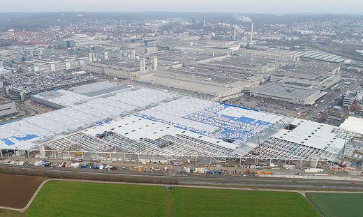 14 Hektar Ausdehnung hat die neue Halle beim Mecedes-Benz-Werk von Daimler in Sindelfingen
