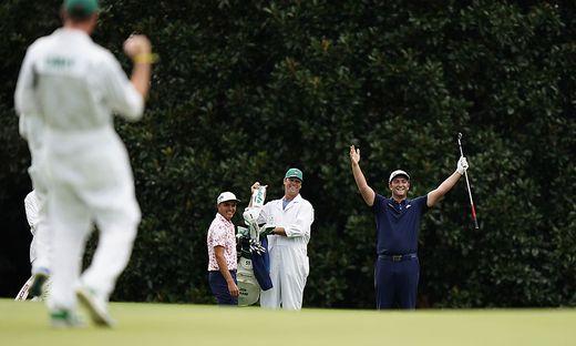 Jon Rahm (rechts) jubelte über sein unglaubliches Hole-in-One