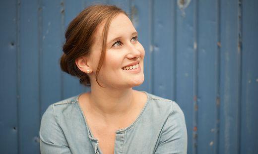 Theresa Zisser (25) fühlt sich sehr mit ihrem Heimatort Vorau verbunden und kommt immer wieder gerne nach Hause