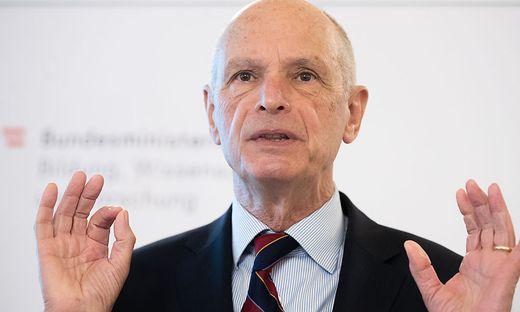 Kurt Scholz, ehemaliger Stadtschulratspräsident von Wien und Sonderbeauftragter der Stadt Wien für Restitutions- und Zwangsarbeiterfragen