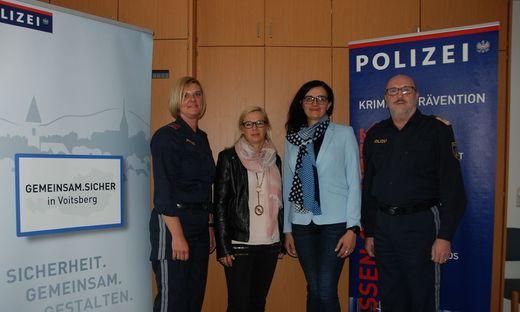 Möchten Betroffene bestmöglich unterstützen: Martina Unger, Birgit Reiner, Marion Egger und Severin Liebmann
