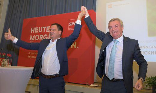 In Jubelpose: Michael Schickhofer und Anton Lang