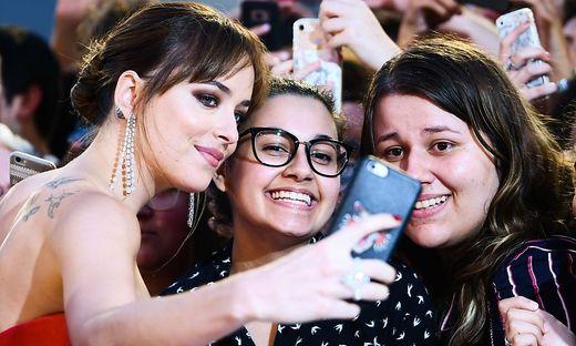 Selfies und soziale Medien beeinflussen vor allem Junge