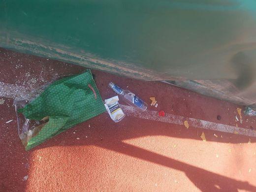 Jede Menge Müll wurde auf der Sportanlage hinterlassen