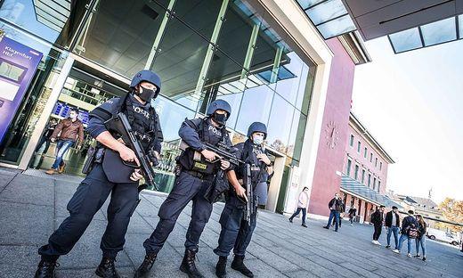 Der Hauptbahnhof in Klagenfurt wird schwer bewacht
