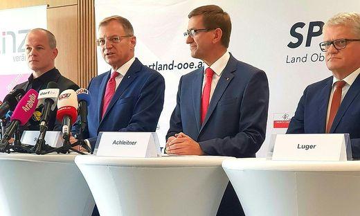 LASK-Präsident Siegmund Gruber, LH Thomas Stelzer, Sportlandesrat Markus Achleitner und Bürgermeister Klaus Luger