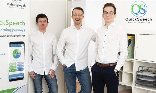 Das QuickSpeech Kernteam bestehend aus Lukas Snizek (mittig), Christian Woltran (links) sowie Patrick Riemer (rechts)