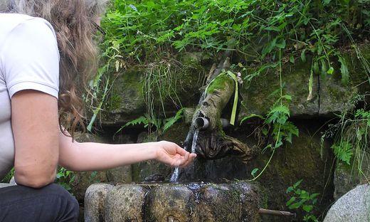Wasser aus der Gnadenquelle soll eine beruhigende Wirkung haben