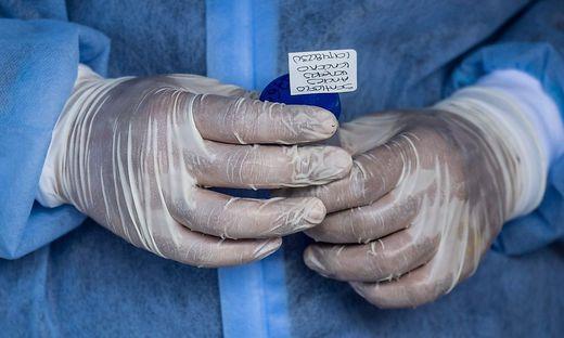 1592 Neuinfektionen und 50 weitere Todesfälle