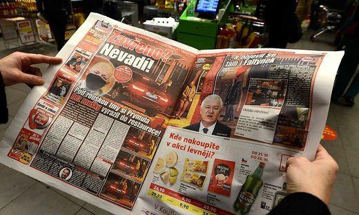 Obwohl die Restaurants in Tschechien auf Anweisung Prymulas geschlossen sind, fotografierte ihn eine Boulevardzeitung, als er gerade ein Restaurant verließ und zu seinem Auto ging – und das auch noch ohne Mund-Nasen-Schutz