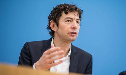 Christan Drosten, Theorie, Pelzfarmen, Coronavirus