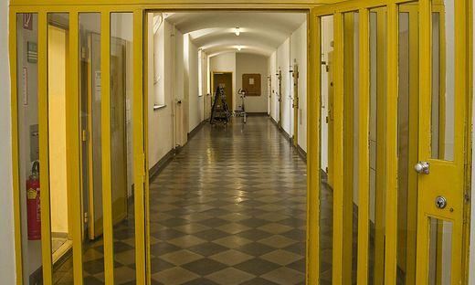 Hinter den Gittern geht es rund.