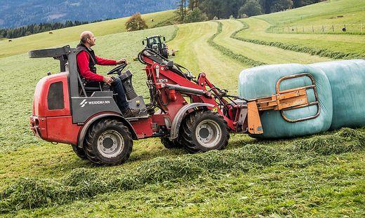 Die Kärntner Bauern dürfen jetzt ihre Siloballen ein Jahr lang und nicht mehr nur neun Wochen auf der Wiese lagern (Symbolfoto)