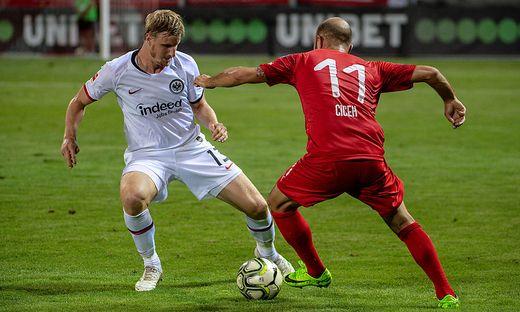 Für Marco Russ eingewechselt: Martin Hinteregger (links)