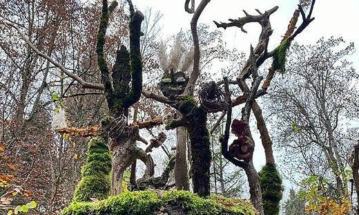 Tanz der götter nach der Schaffung der Welt: So heipt diese Installation von Manfred Stippich