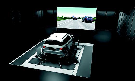 Um selbstfahrende Autos in unterschiedlichen Situationen zu testen, entwickelt die AVL eine Art virtuelle Realität für Autos