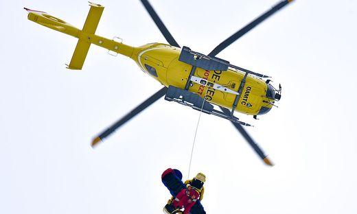 Der aufsteigende Hubschrauber wird derzeit zum  gewohnten Bild im Weltcup