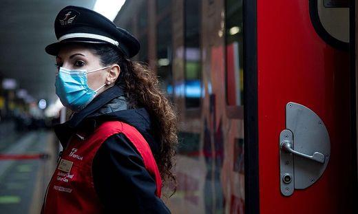 Italien schafft einen medizinisch ausgerüsteten Zug