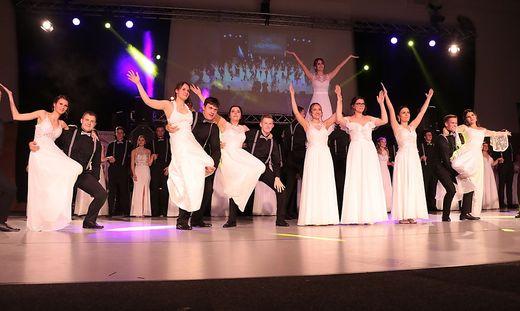 Spannende Choreografie bei der Polonaise