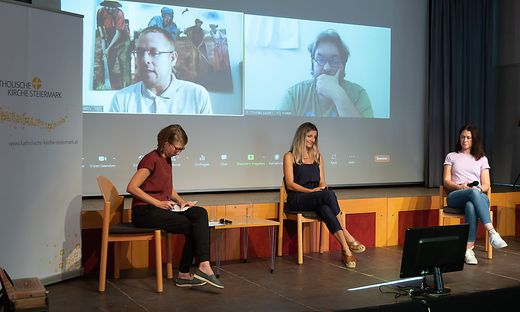 Moderatorin Margareta Moser diskutierte mit Maria Fanninger, Irene Gombotz, Thomas Bauer in Brasilien und Alexander Wostry in Tansania