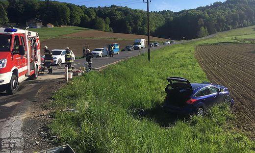 Auto landete bei dem Unfall im Straßengraben