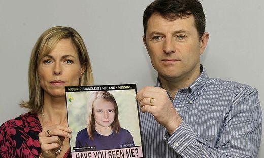 Kate McCann und Gerry McCann mit einem Foto ihrer Tochter: So könnte Maddie heute aussehen