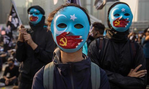 Die Verfolgung der Uiguren in China könnte für Modekonzerne nun Folgen haben