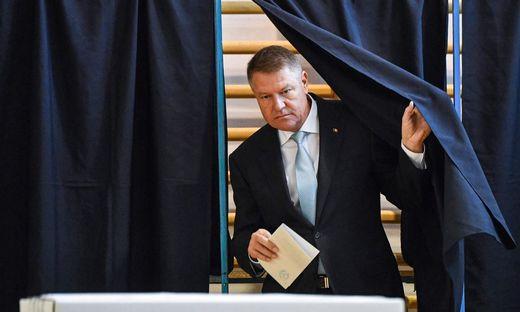 ROMANIA-ELECTION-VOTE