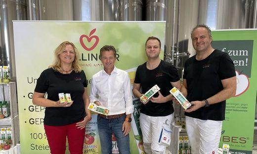 Firmengründer Gerhard Höllinger (2.v.l) mit den Ribes-Chefs Gudrun, Bernhard und Franz Schriebl
