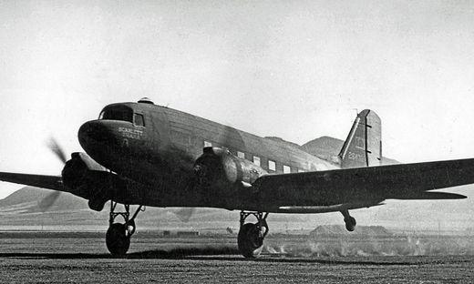 Eine der abgestürzten amerikanischen ähnliche Douglas C-53