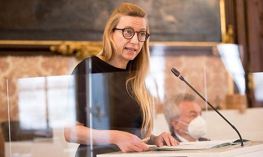 Landesrätin Juliane Bogner-Strauß