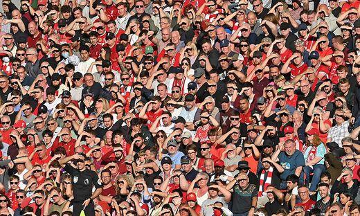 Fans des FC Liverpool sangen während der Partie beleidigende Lieder