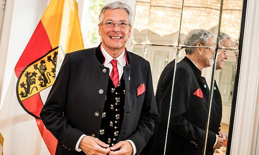 Landeshauptmann Peter Kaiser im Spiegelsaal der Landesregierung LH Kaernten 10. Oktober Feier Landesregierung Klagenfurt