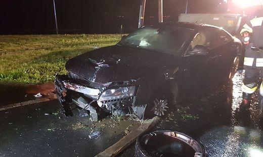 Der Audi wurde bei der Kollision stark beschädigt