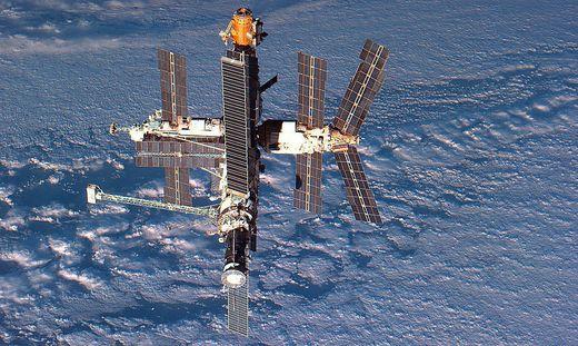 """Die Raumstation """"Mir"""" auf einer Aufnahme aus dem Jahr 1986"""