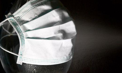 Schutzmasken für Supermärkte - aber nicht für Arztpraxen?