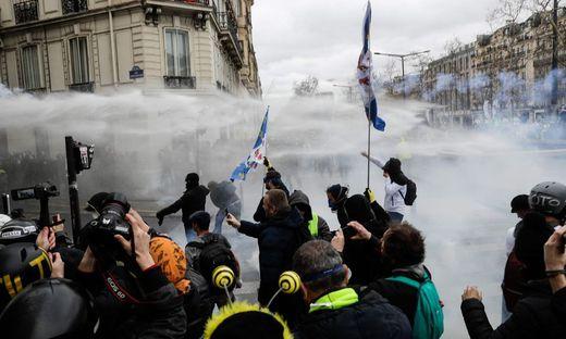 """""""Gelbwesten"""": In Paris kam es zu Auseinandersetzungen"""