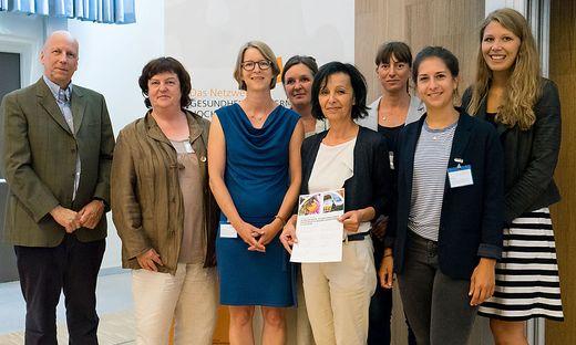 Martin Hitz, Ute Sonntag, Claudia Hildebrand, Regula Neck, Sawczak Waltraud, Kirsten Sleytr, Melanie Mandl und Pia Dömling (von links)