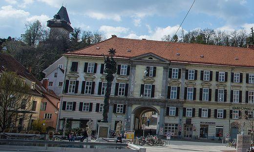 Die Dreifaltigkeitssäule auf dem Grazer Karmeliterplatz