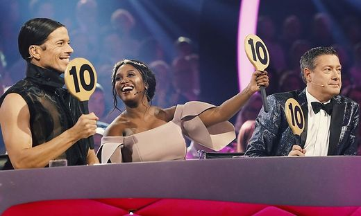 """Let's Dance""- Jury"
