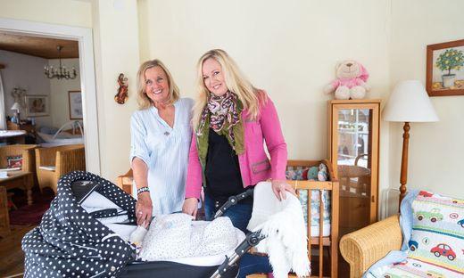 Aline und Sigrid Wallner: Gemeinsam haben sie eine jahrzehntelange Erfahrung als Pflegemütter