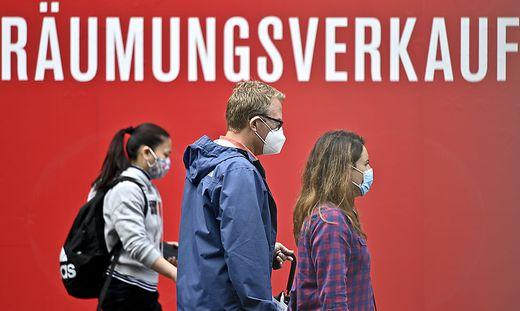 In Wien bleibt die Maskenpflicht im Handel aufrecht