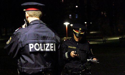 Die Polizeistreife nahm den Burschen Freitag gegen 21.30 Uhr fest (Sujetbild)
