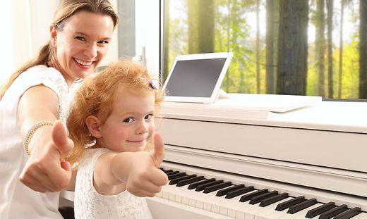 Man braucht nur ein Klavier und eine App, um den richtigen Ton zu treffen