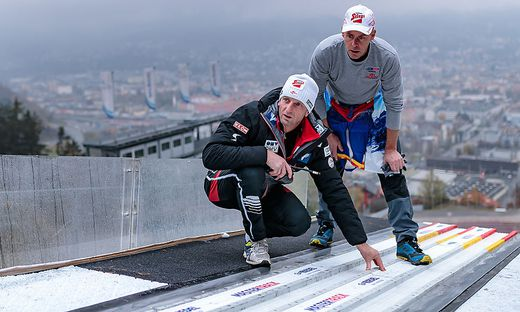 ÖSV-Trainer Heinz Kuttin (links) und sein Team bereiten die ÖSV-Adler auf Lahti vor