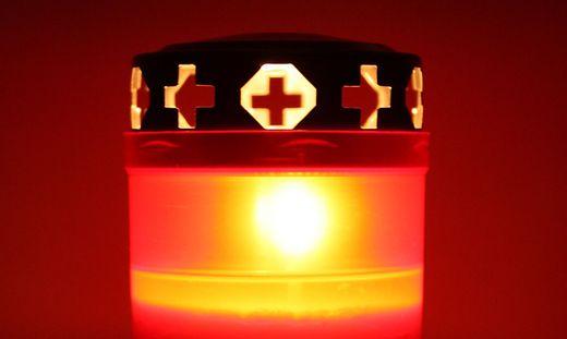 Die Wohnungsinhaberin ließ die Kerze unbeaufsichtigt (Sujetbild)